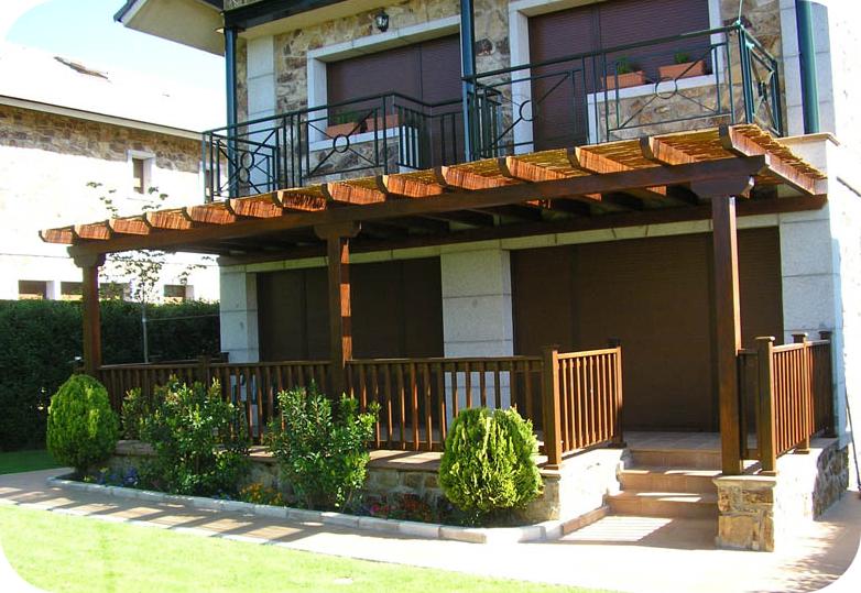Lofts madrid dise o de exteriores dise o y for Materiales para cubrir pergolas